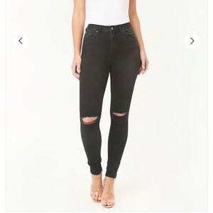FOREVER 21 HIGH WAISTED RIPPED BLACK SKINNY JEANS